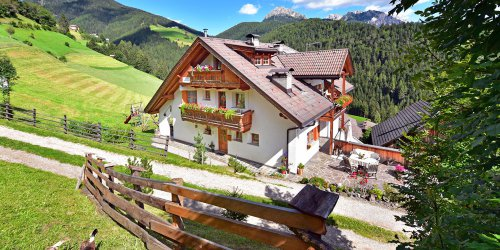 Farm holidays in the Dolomites – Apartment in San Vigilio di Marebbe  4
